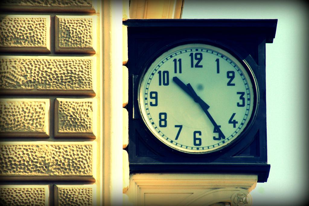 10.25 alla stazione di Bologna